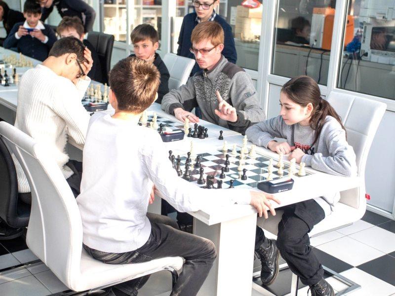 Кванторианцы Моздока и Владикавказа встретились на шахматном турнире